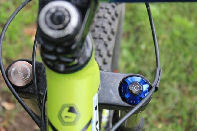 велосипедная вилка SR Suntour Durolux RC2