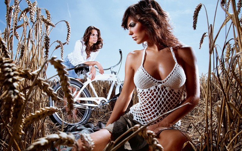 Где прячутся велосипедные девки