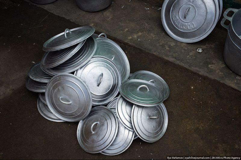 Производство алюминиевых кастрюль – на складе