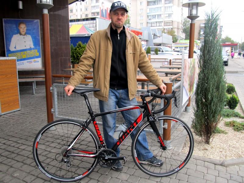 Серж и велосипед Giant TCR1 Compact