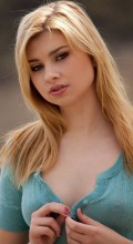 Блондинка Molly Bennett