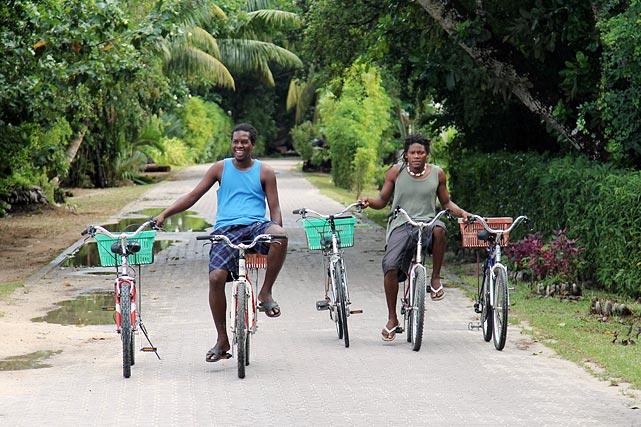 велосипедисты на сейшельских островах