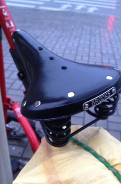 велосипед Strida 5.2 – седло brooks