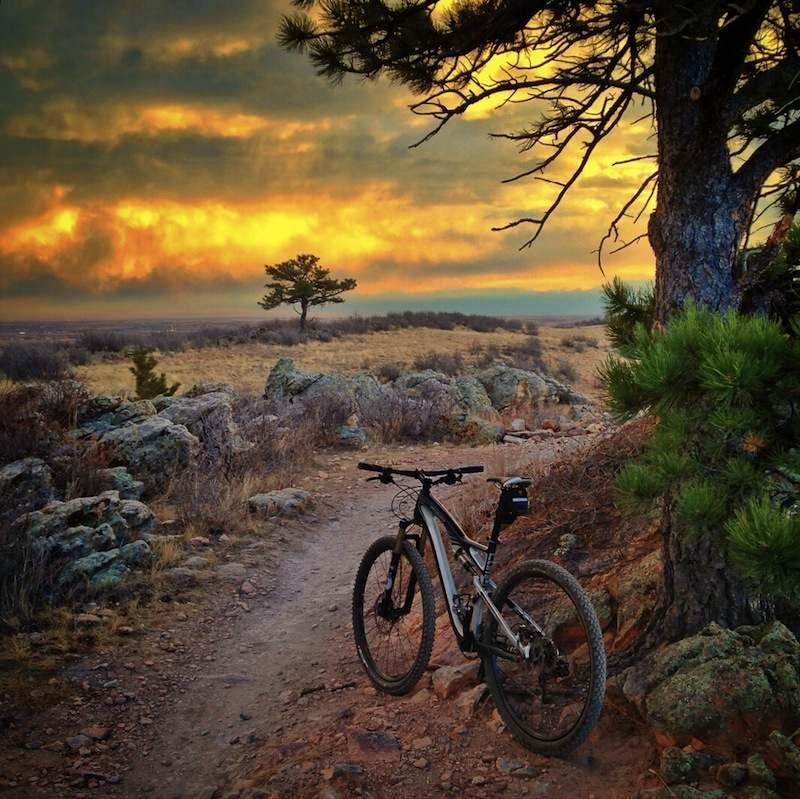 закат и велосипед