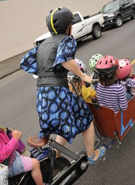 Как правильно отвезти детей в школу