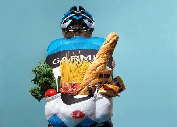 велосипедист со спины