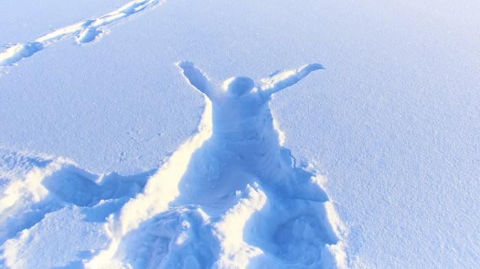 Сколько человека тело вытолкнет снега - столько в нём доброты. Велосипедная мудрость.