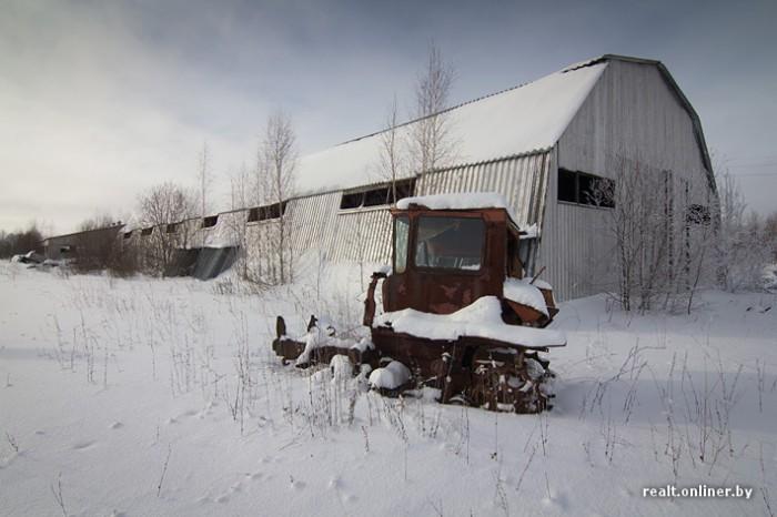 Трактор ржавеет