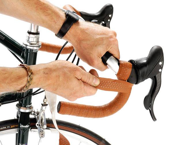 Кожаная обмотка на руль велосипеда