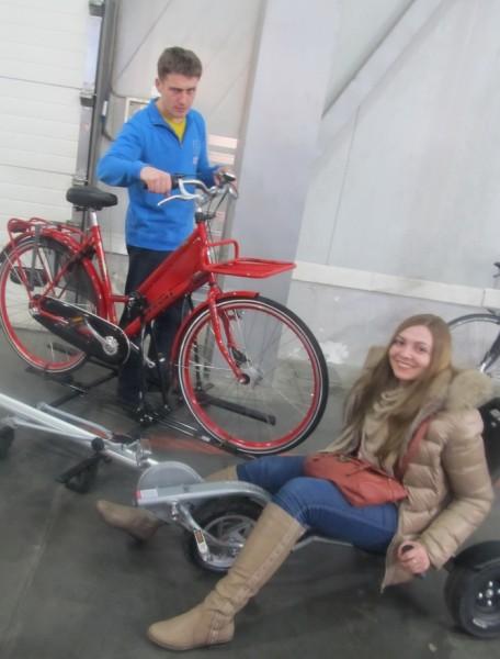 Дэнис и Марьяна на вело выставке