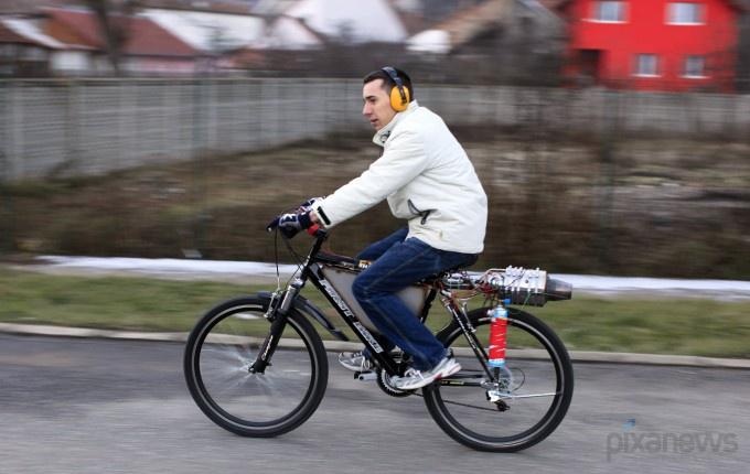 Реактивный велосипед из Румынии