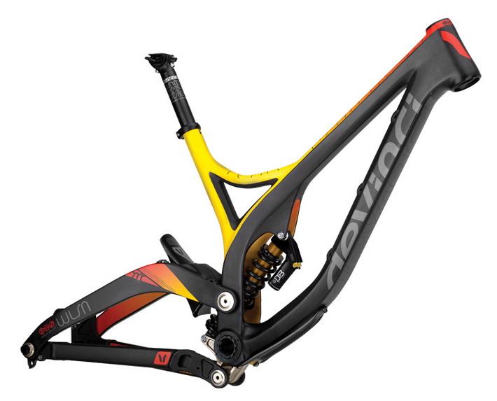 Велосипедная рама для ДХ от компании DEVINCI