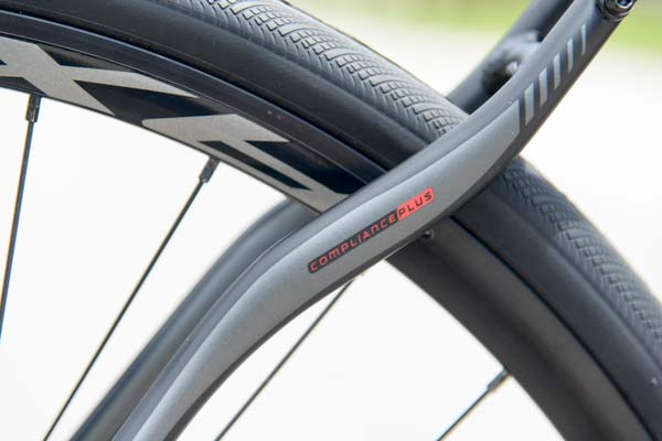 2014-Specialized-Secteur-Disc-brake-road-bike02