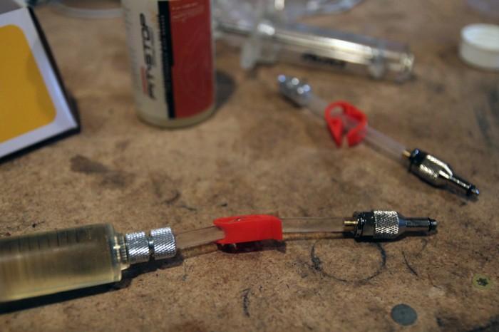 SRAM-Red-22-Hydro-Rim-HRR-Install134