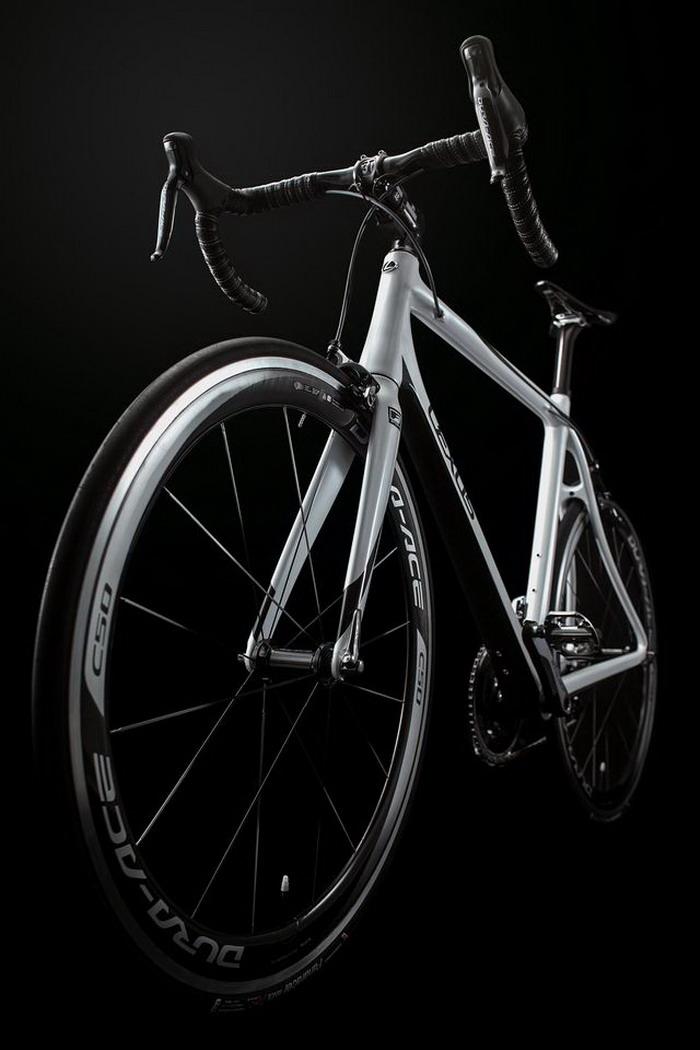 Шоссейный велосипед Toyota Bike Lexus LFA