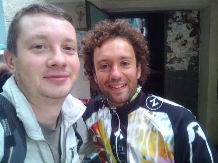 Велосипедист Карлос Перец и Сергей Зубарев