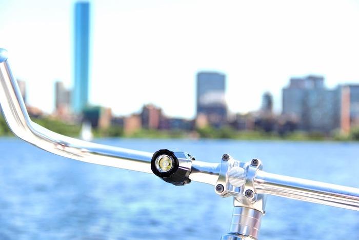 Велосипедный свет с вечной гарантией Gotham Bike