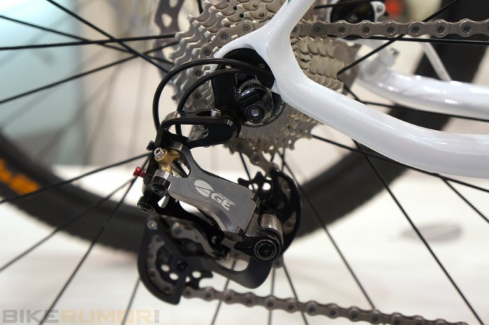 prototype-acros-age-rda-hydraulic-road-bike-rear-derailleur01
