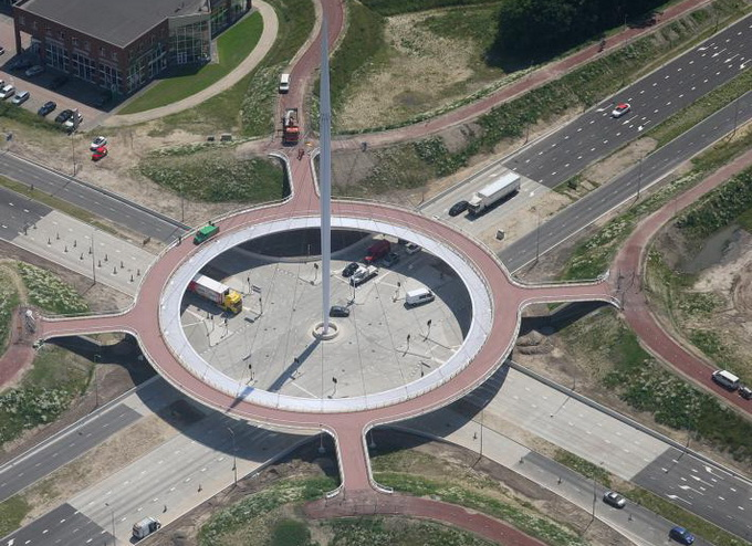 Велосипедный мост в Нидерландии