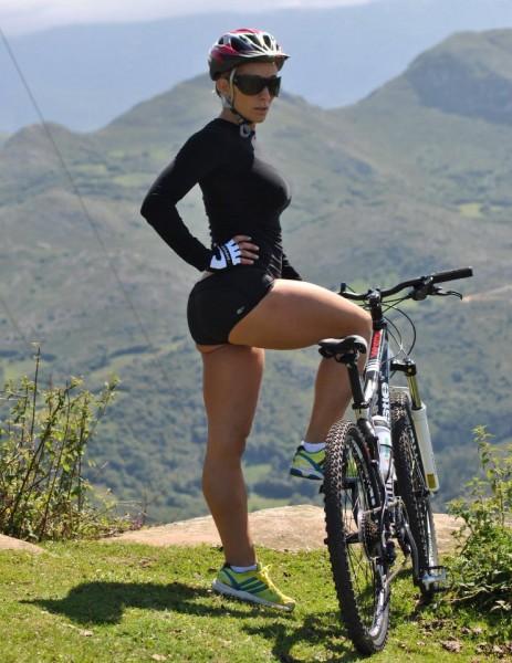 girl-on-mtb-bike