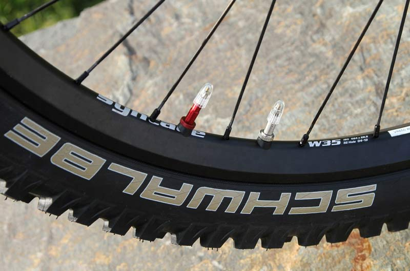 Schwalbe-Syntace-Dual-Chamber-mountain-bike-wheel-tire-system
