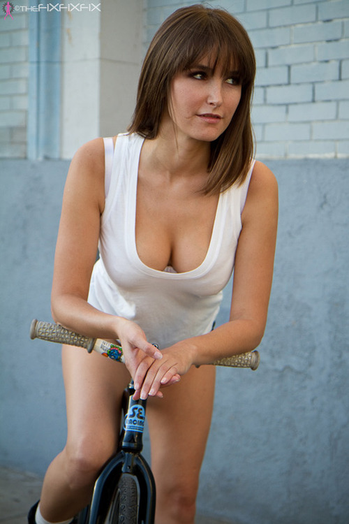 bike-ass-woman (5)
