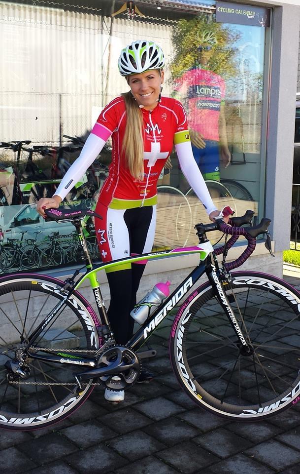 sexy-girls-bikes (11)