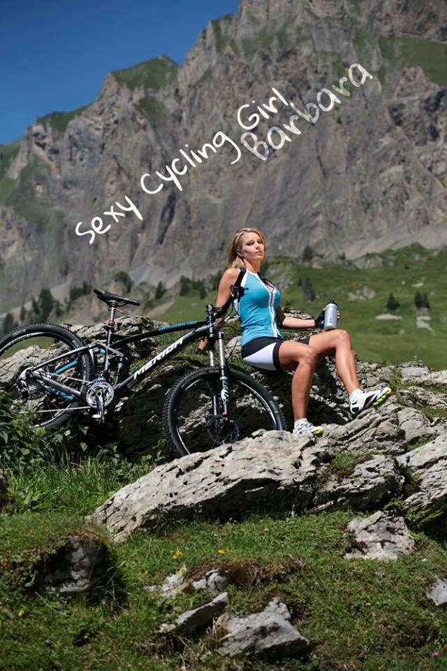 sexy-girls-bikes (14)