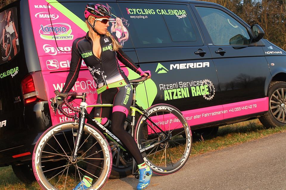sexy-girls-bikes (38)