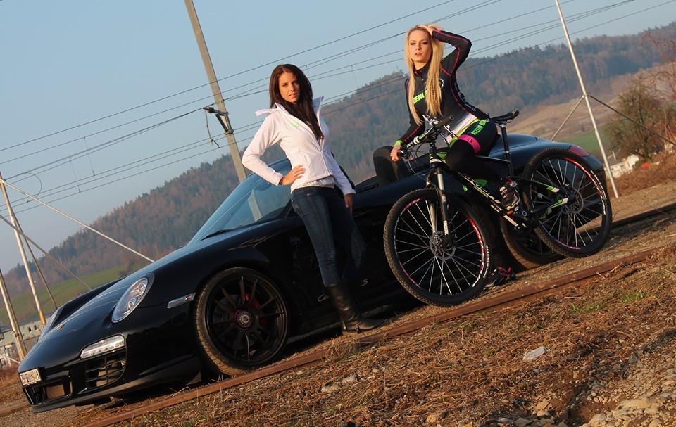 sexy-girls-bikes (40)