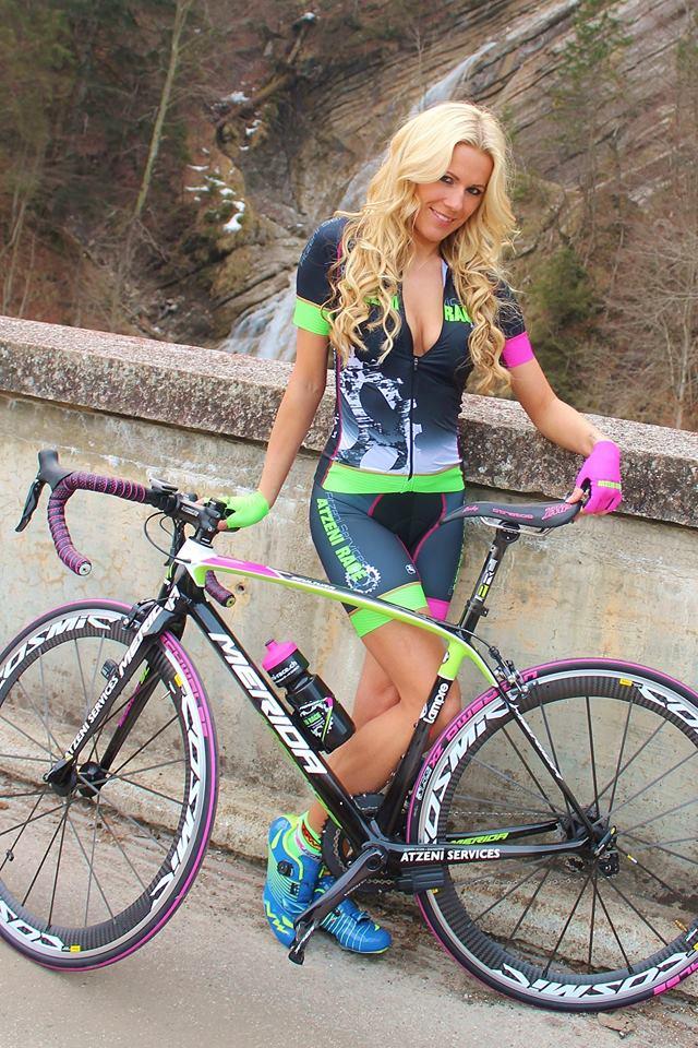 sexy-girls-bikes (47)