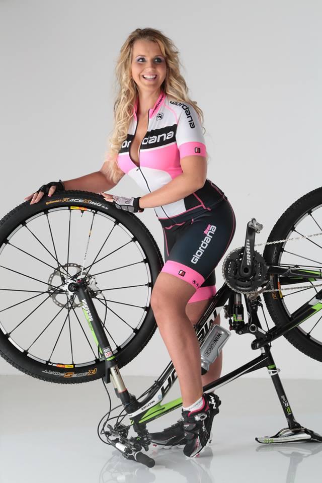 sexy-girls-bikes (54)