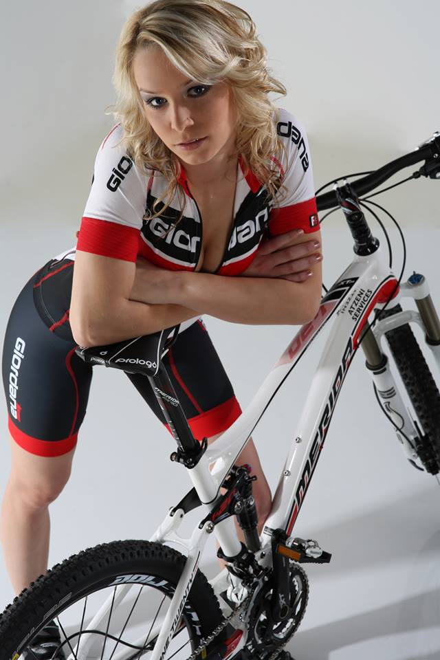 sexy-girls-bikes (57)