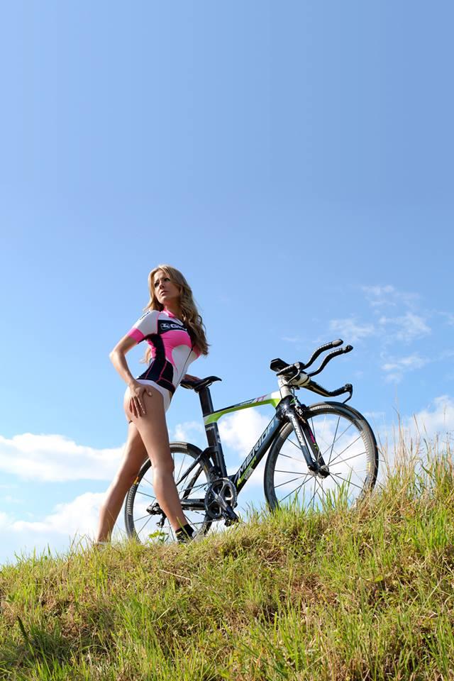 sexy-girls-bikes (58)