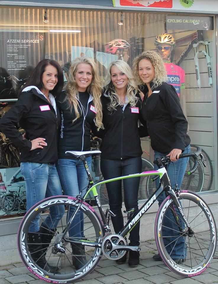 sexy-girls-bikes (7)