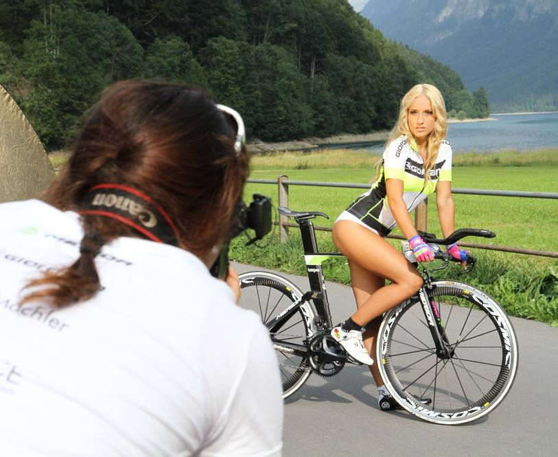 sexy-girls-bikes-Meriada (1)