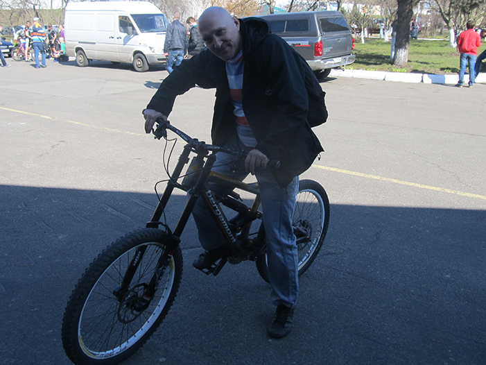 Вова на велосипеде