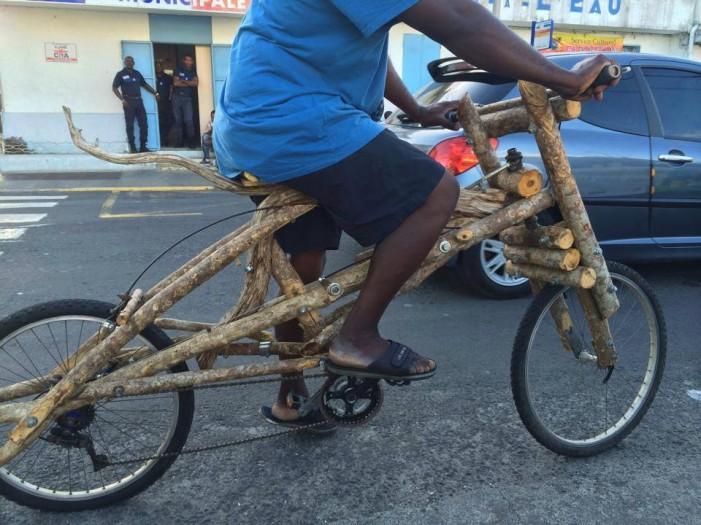 Деревянный велосипед от н'Гумба Бхмамба