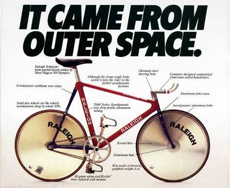 Реклама шоссейного велосипеда Raleigh