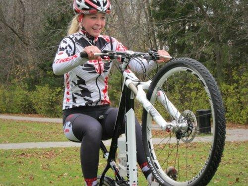 велосипедистка Emily Batty