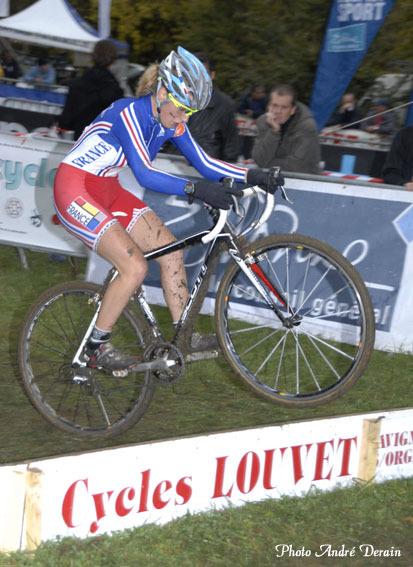 Pauline-Ferrand-Prevot-vainqueur-du-chrono-des-Nations-juniors-2009-Les-Herbiers