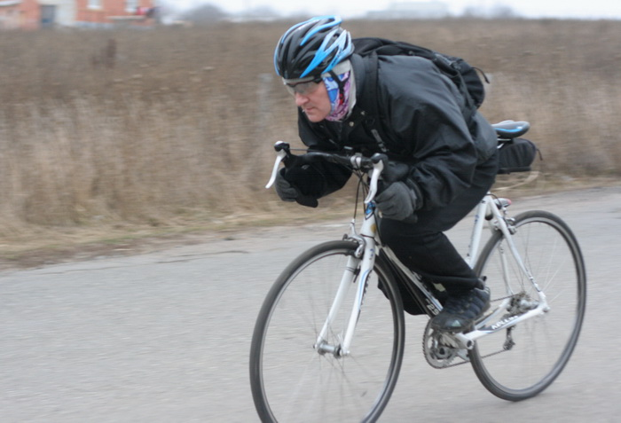 скоростной спуск на велосипеде