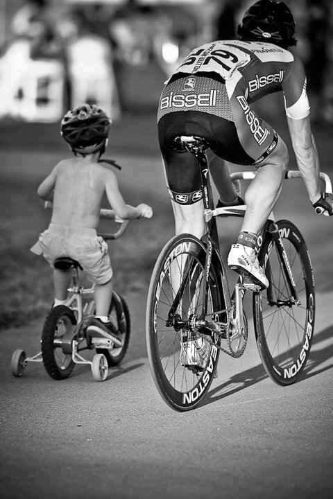 дядя Вова и Ведана - юная велосипедистка