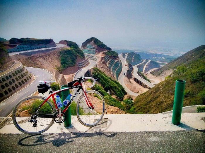 на велосипеде по горам