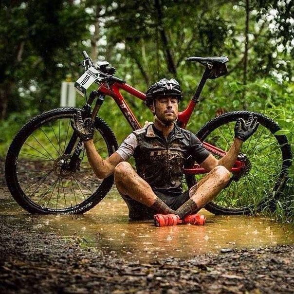 эзотерический велосипедный парень