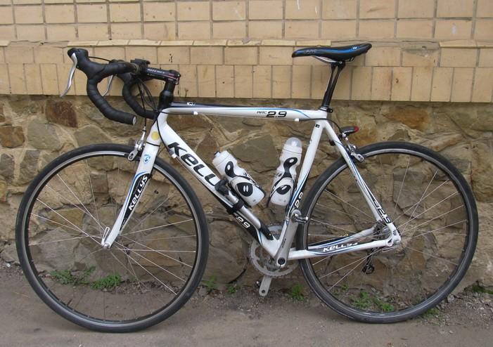 Велосипед Kellys ARC 2.9 b подседельный штырь Canyon CF3 Pro Carbon вид сбоку