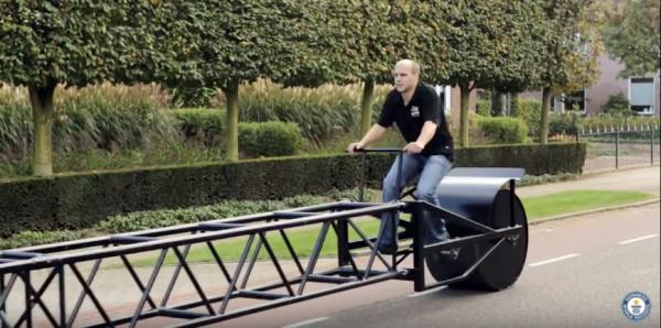Самый длинный велосипед 35 метров