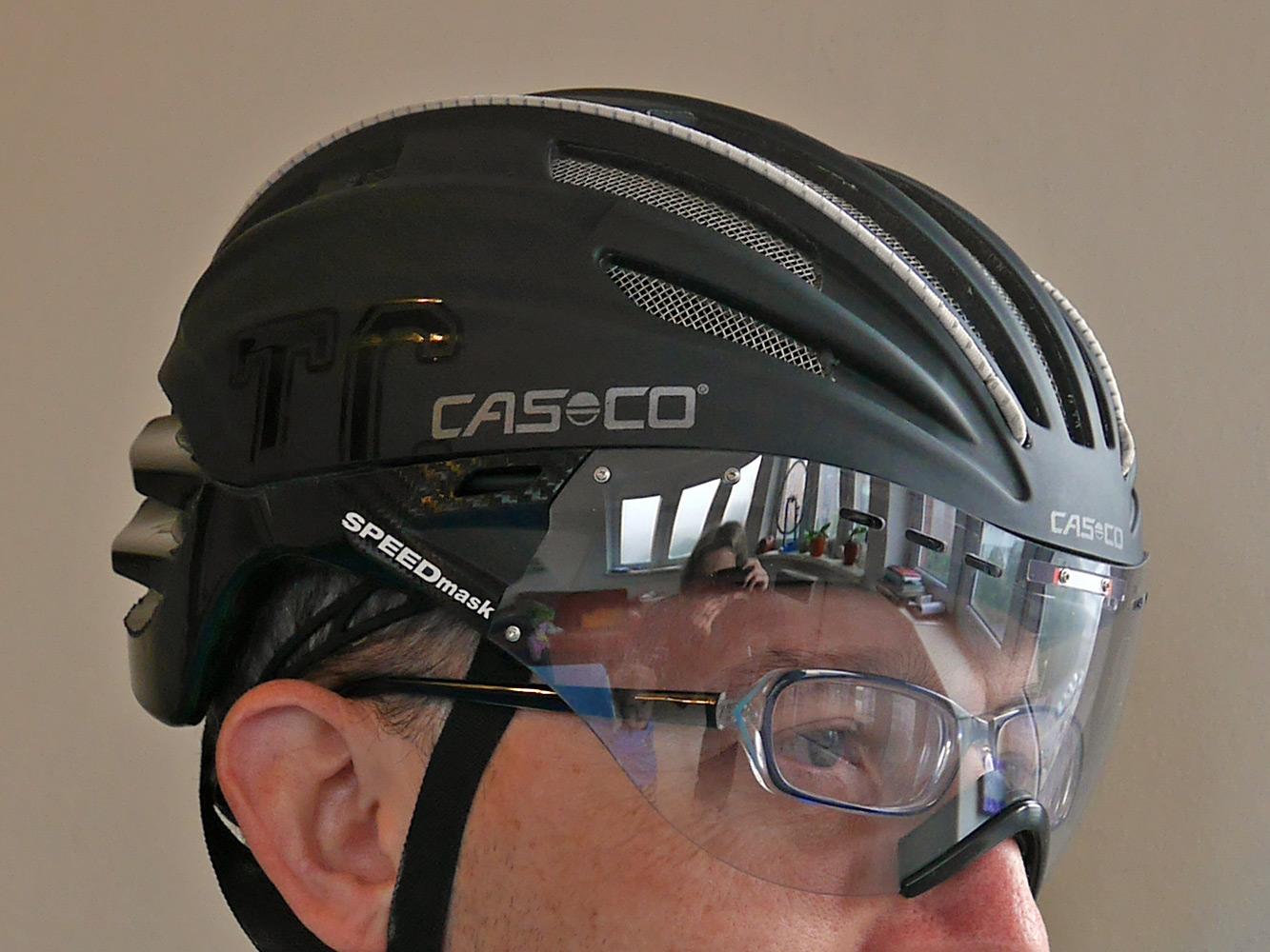 Casco_Speed-Airo-TCS-aero-road-helmet_glasses-fit.jpg