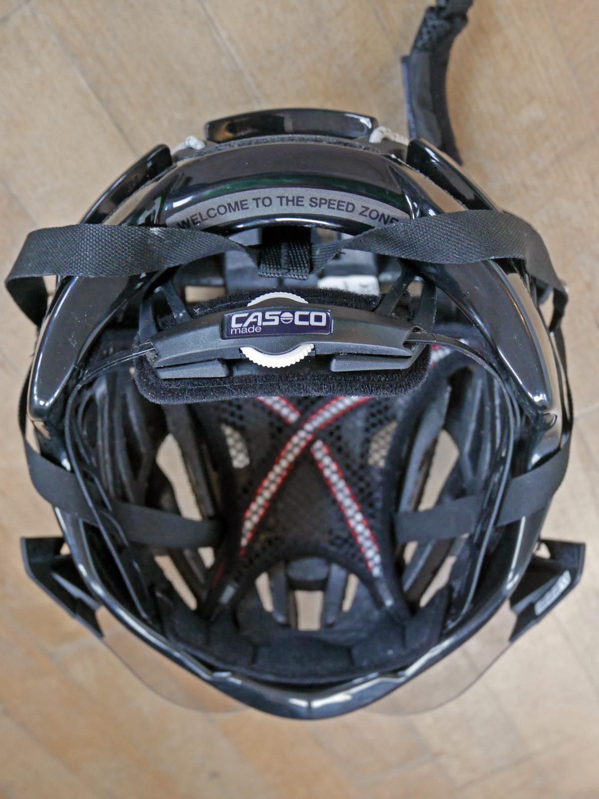 Casco_Speed-Airo-TCS-aero-road-helmet_rear-retention