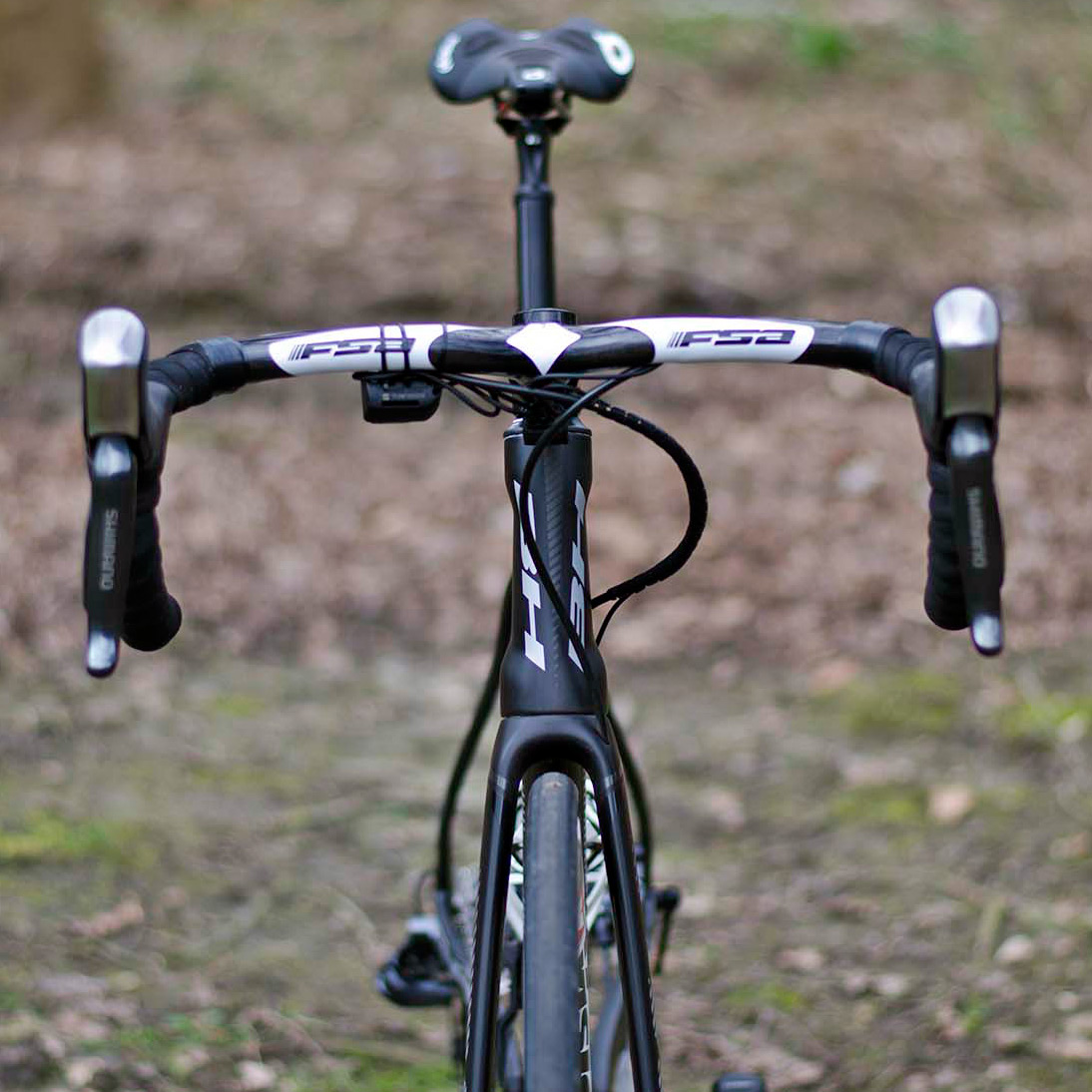 Roubaix-Tech_RVV_BH-G7-Disc_disc-brake-aero-road-race-bike_Direct-Energie_Romain-Cardis_front